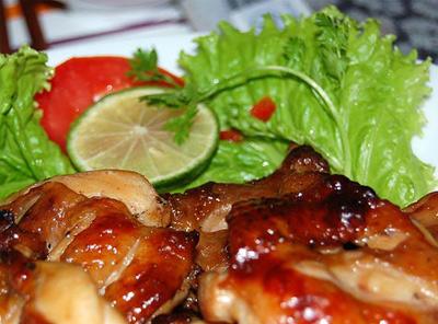 鶏肉とレモン葉風味焼き